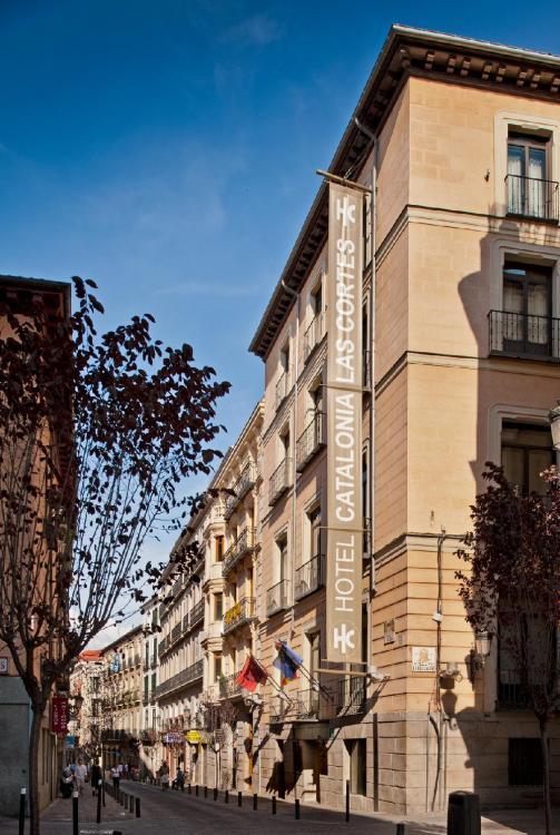 catalonia-las-cortes-exterior-3d357d2